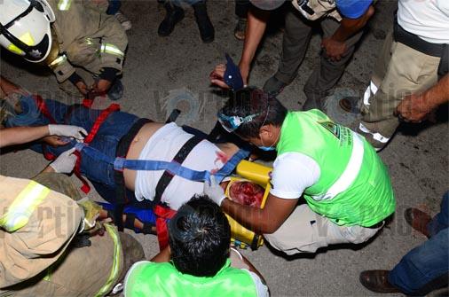 Dos prensados y seis heridos en aparatosa colisión vehicular en El Jobo