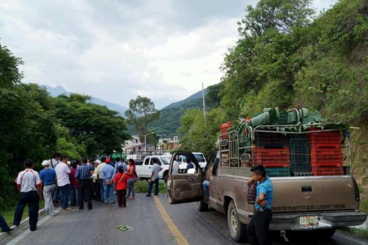 Bloqueos causan disturbios en San Cristóbal
