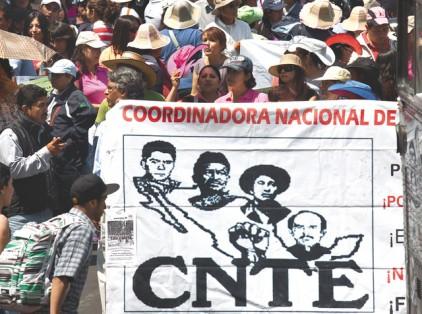Giran órdenes de aprehensión contra 15 maestros de la CNTE
