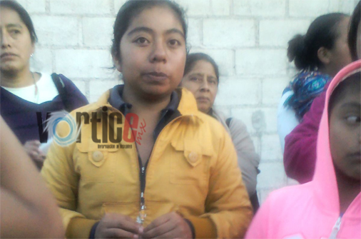 Colonos detienen a presunta defraudadora en San Cristóbal