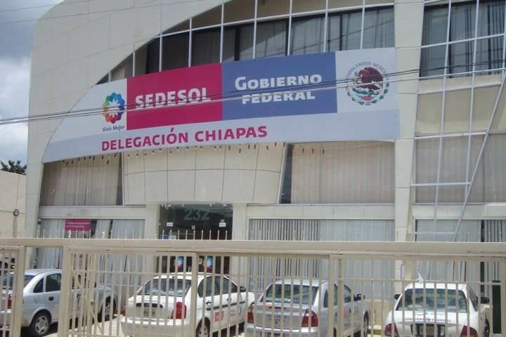 Trabajadores de Cruzada contra el Hambre en Chiapas piden pago atrasado de salarios