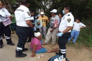 Jugaba en la carretera y fue impactada por un colectivo
