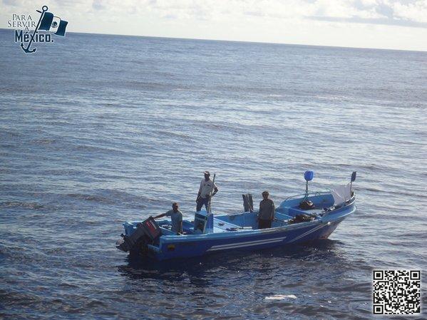 Marina rescata a cuatro pescadores en Chiapas