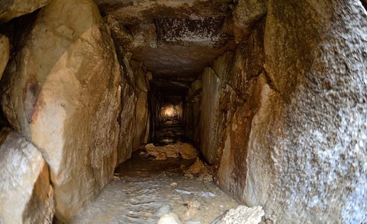 Descubren sistema de canales bajo el Templo de las Inscripciones de Palenque