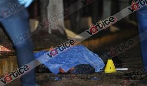Asesinan de varias puñaladas a policía de proximidad; quiso detener a unos asaltantes