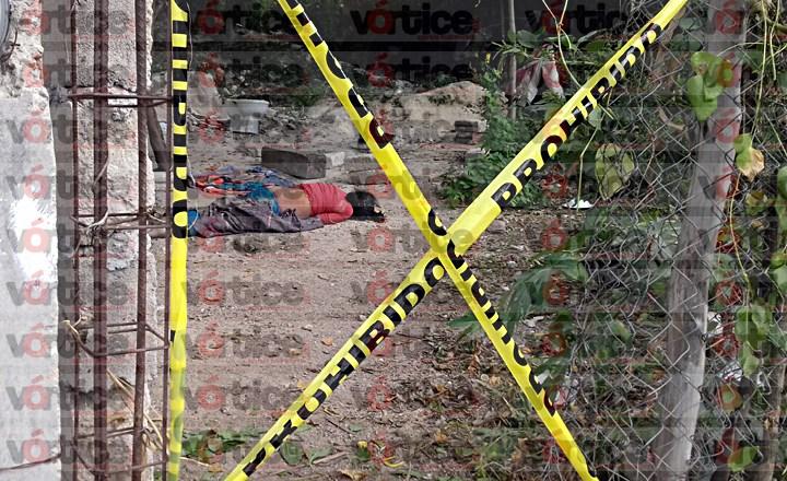 Hallan cadáver de una mujer en terreno baldío de Tuxtla