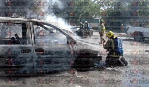presunto-normalistas-queman-12-vehiculos-en-chiapas_2