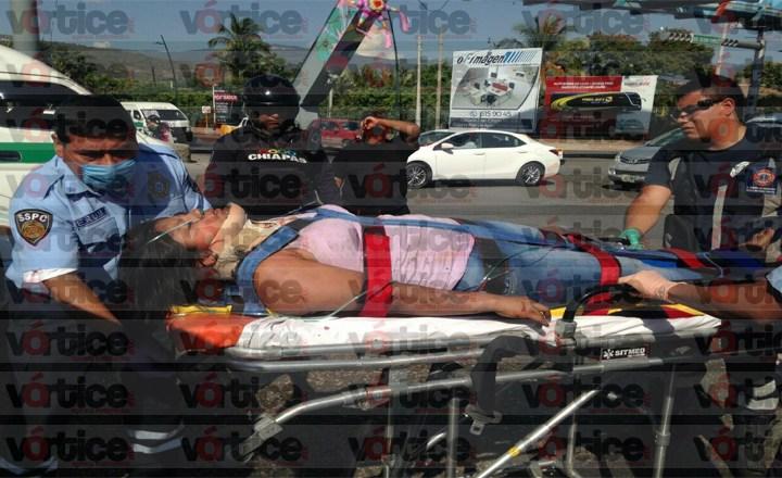 "Choca ambulancia que trasladaba a herida del ""carreterazo"" en Ocozocoautla"