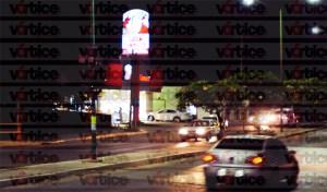 Asaltan pizzería; ladrones se llevan cajas registradoras