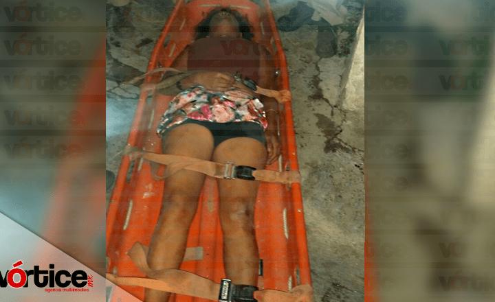 Jovencita se rompe la columna en dos tras caer de un segundo piso