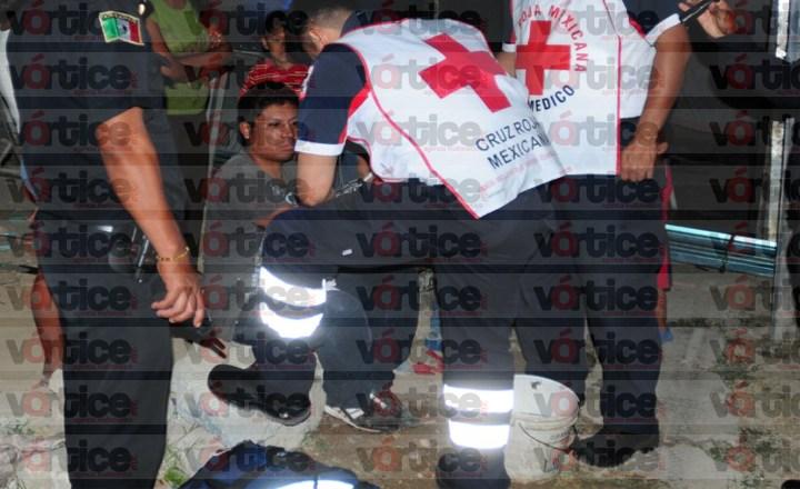 Taxista asalta y hiere con cuchillo a dos jóvenes en Lomas del Oriente