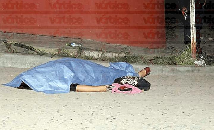 Madre se suicida de un balazo en la cabeza en pleno 10 de mayo