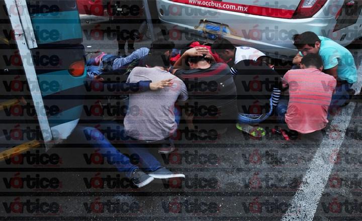 Detienen a más de 73 normalistas tras enfrentamiento contra la Policía en Chiapas