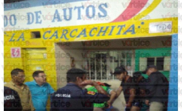Disparan contra empleados de autolavado en la Bienestar Social