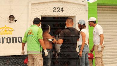 Hieren a dos personas en un pleito de cantina en Terán; hay un detenido