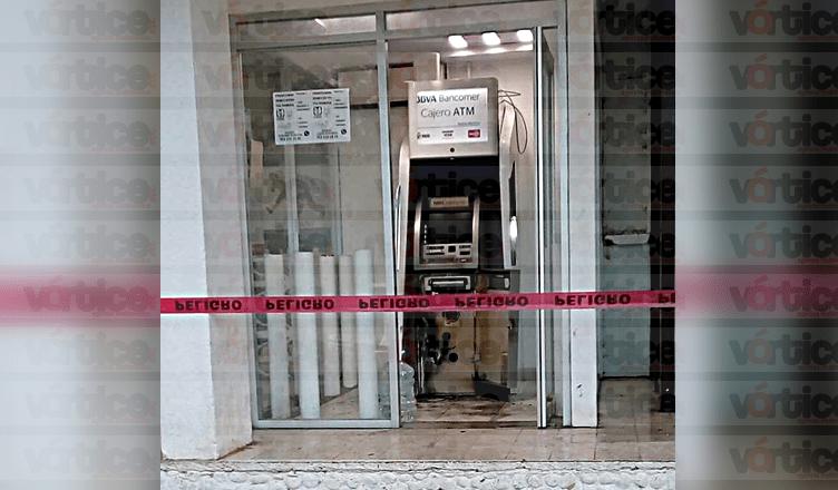 Grupo armado en Chicomuselo amarra a policías e intenta llevarse un cajero automático
