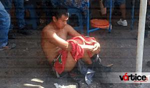 Desnudan y golpean a presunto carterista en el mercado 'Juan Sabines' de Tuxtla