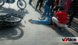 Joven resulta con fractura de tibia y peroné tras accidente en Tuxtla
