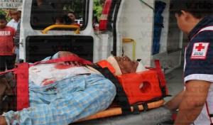 Grave ancianito tras ser embestido por un vehículo en Tuxtla