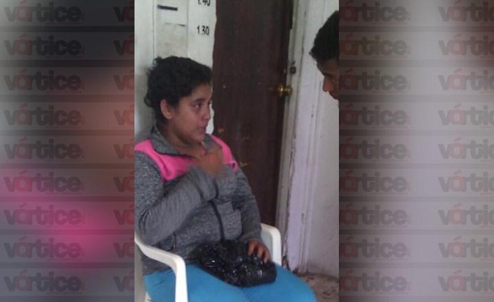 Turba golpea y rapa a una jovencita acusada de robo en San Cristóbal
