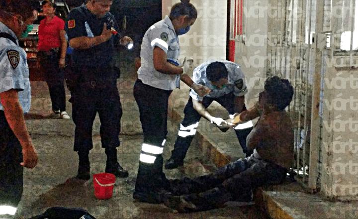 Ebrio recibe cuatro cuchilladas y tras el auxilio se niega ir a un hospital
