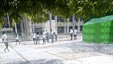 Integrantes del CENECH toman la Secretaría de Educación, en Tuxtla