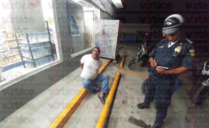 Intentan robar en tienda Extra en Tuxtla; hay un detenido