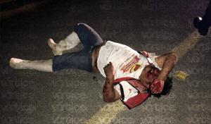 Peatón se debate entre la vida y la muerte tras ser atropellado en Plan de Ayala