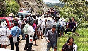 Policías huyen a San Cristóbal tras amenaza de retención en Chalchihuitán