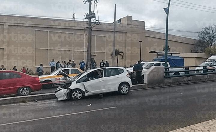 Menor queda con la cabeza destrozada tras accidente en Tuxtla