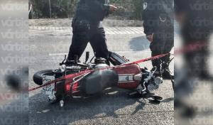 Muere motociclista tras ser atropellado por un camión en Coita