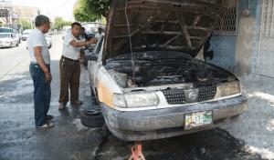 Flamazo quema las manos de un eléctrico en Tuxtla