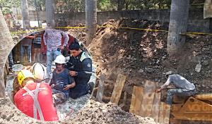 Obrero queda sepultado tras derrumbe de una zanja