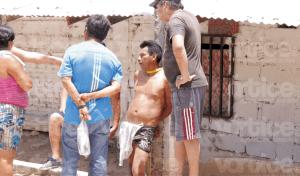 Corretean, amarran y desnudan a presunto ladrón en la Patria