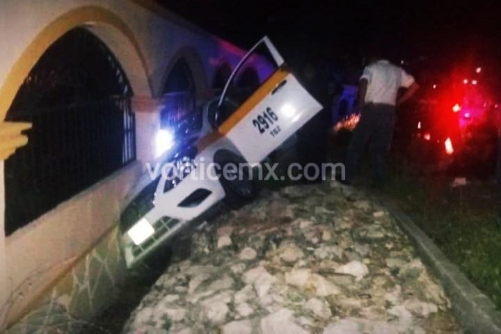 Se accidenta familia que viajaba en un taxi