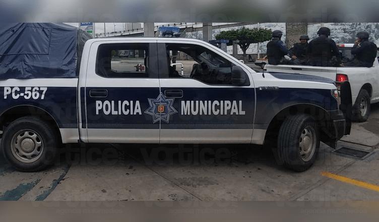 """Presuntos policías """"levantan"""" a tres jóvenes en Tuxtla; hay un desaparecido"""