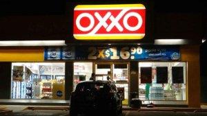 Uno más; asaltan Oxxo en el barrio La Pimienta