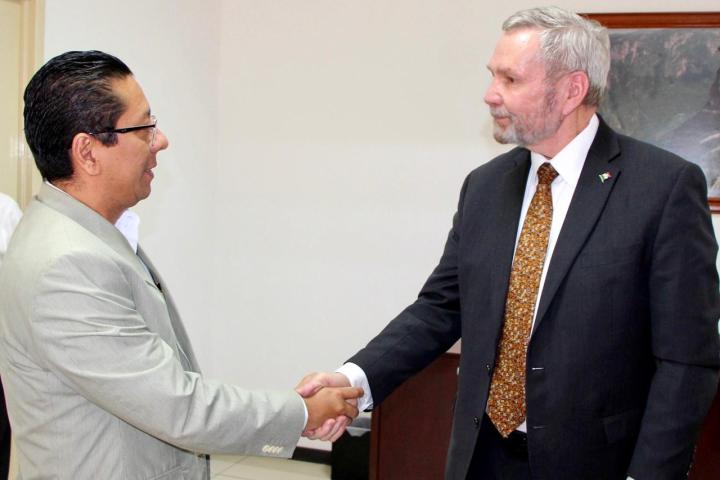 Sostiene fiscal reunión con funcionarios de la Embajada de Estados Unidos