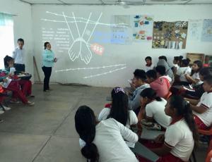 Realiza FGE taller de prevención de trata de personas en escuelas de Chiapas