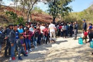 Localizan a 97 migrantes abandonados en Chiapa de Corzo; 56 eran niños