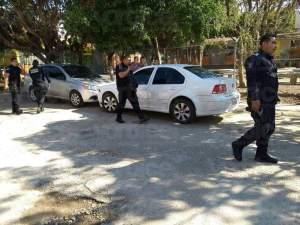 Delincuentes interceptan colectivo y asaltan a pasajero en Tuxtla