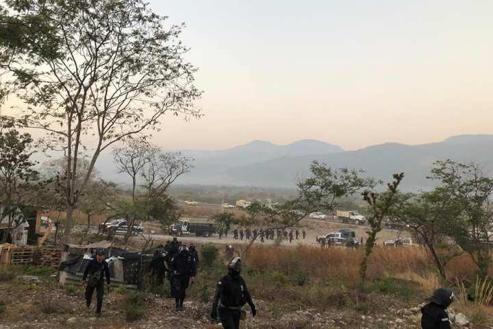 Aprehenden a 28 personas tras liberación de predio invadido