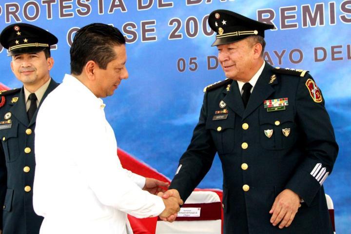 Reconoce Chiapas visión estratégica del Ejército en tareas de seguridad y emergencia: Llaven Abarca