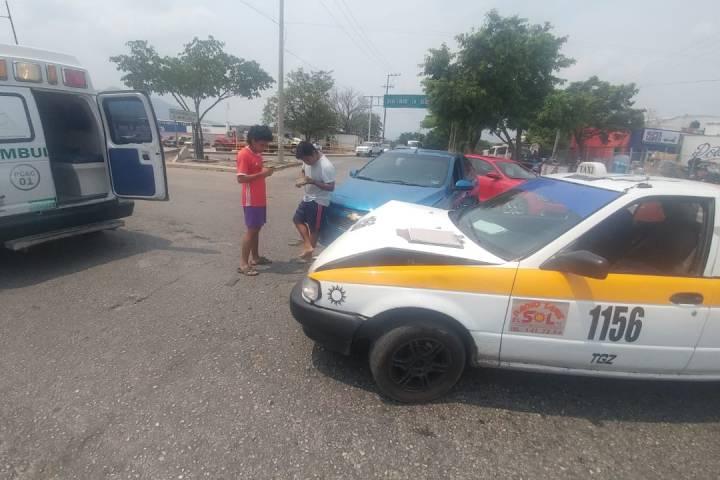 Encontronazo deja dos heridos en Tuxtla