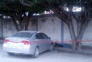 "Hallan cadáver atrás del Hospital Regional ""Dr. Rafael Pascacio Gamboa"""