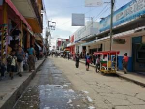 Les dan cárcel a 15 comerciantes informales