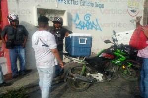 Intentan robarle la moto, pero arroja las llaves a su casa