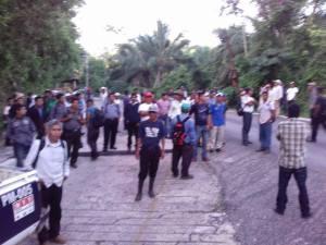 Grupo armado asalta a turistas al salir de Cascadas de Agua Azul