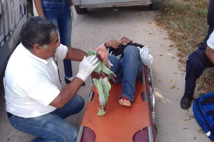 Rayo mata a joven y deja herido a su suegro en Villaflores