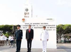 Encabeza Rutilio Escandón desfile cívico-militar por el 209 aniversario de la Independencia de México